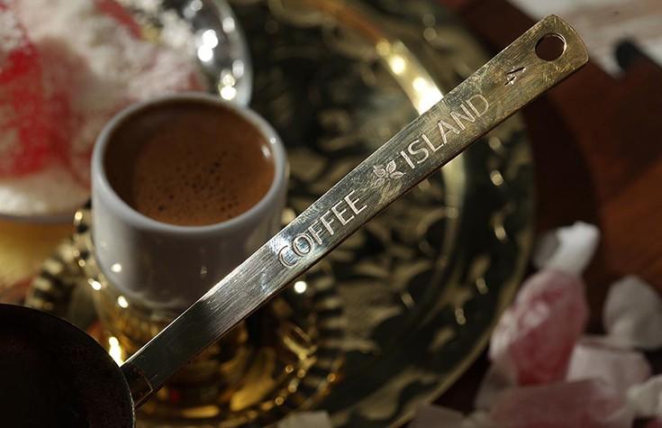 Φρεσκοαλεσμένος ελληνικός καφές. Για παθιασμένους.