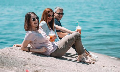 Ξέμεινες στην Αθήνα; Κάνε διακοπές στο νησί του καφέ!