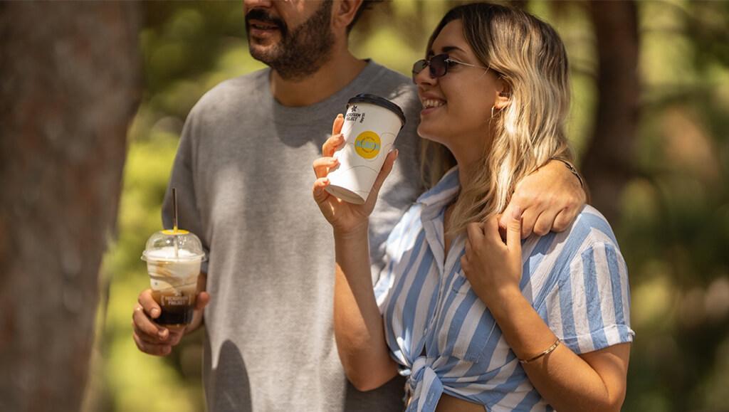 FRIENDS DRINKING ACACIA COFFEE